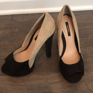 Forever 21 Black and Tan Heels Size 6